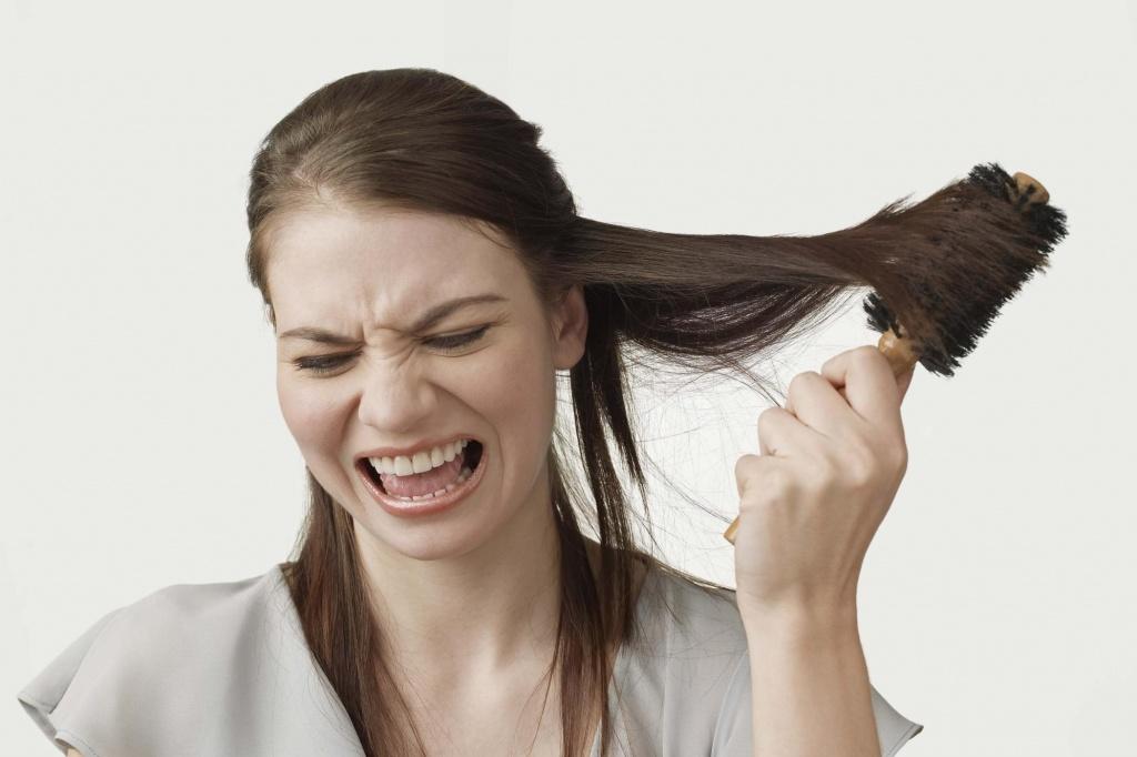 На стрессе выпадают волосы